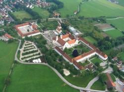 Das Kloster Benediktbeuern verbindet Tradition und moderne Jugendpastoral.