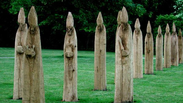 Holzskulpturen Bischöfe im Bischofsornat